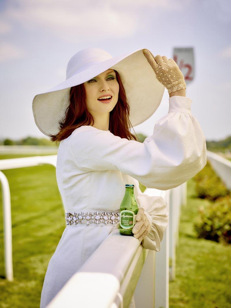Appletiser Sophie Ellis Bextor white hats